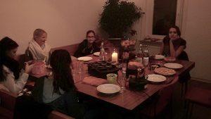 Jugendtreff OSCAR beim Raclette-Essen